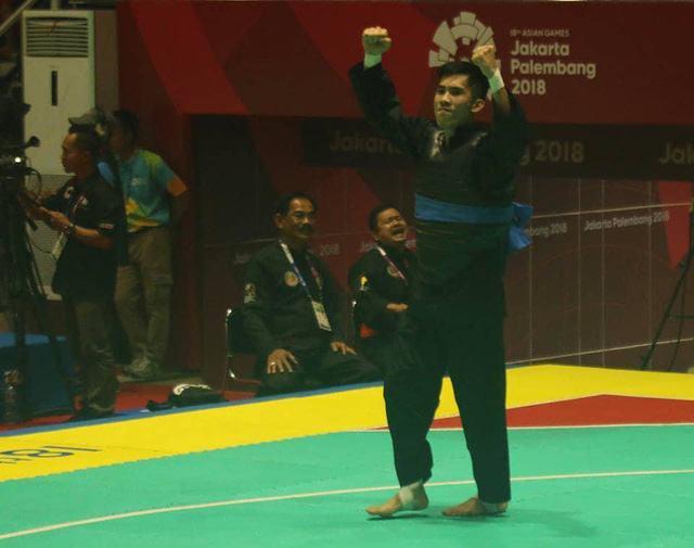 Niềm vui của Nguyễn Thái Linh sau khi vào chung kết Pencak silat hạng cân dưới 60 kg dành cho nam